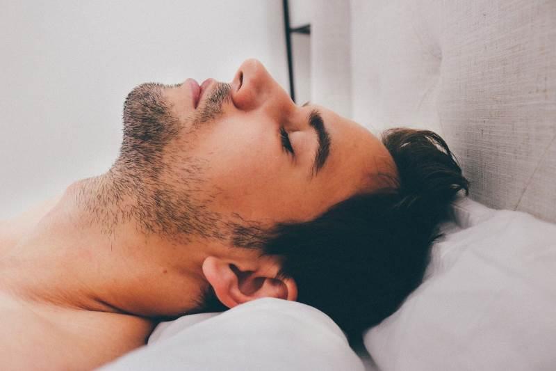 בזמן שישנת: על כושר ושינה