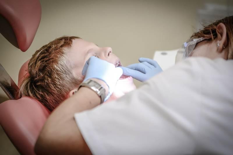 אושרו הקלות. רופאת שיניים | צילום: www.pixabay.com