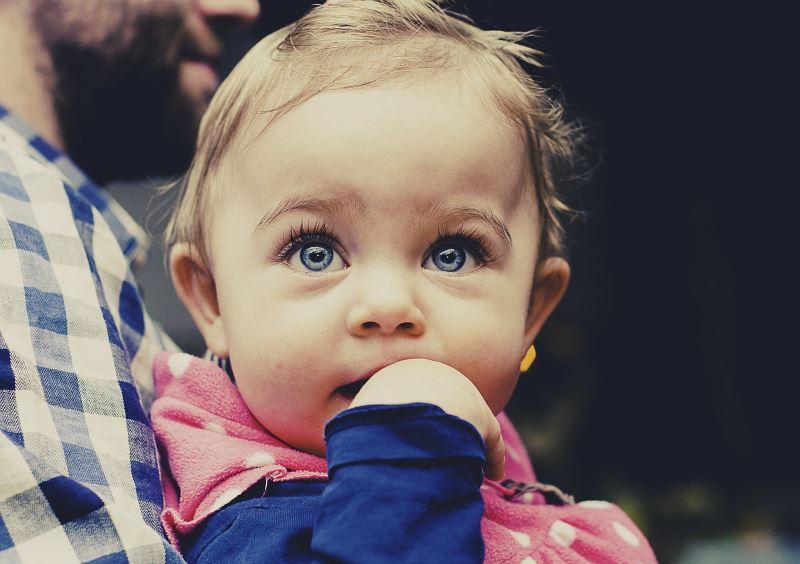 עדות להתפתחות מוקדמת של העדפת רגל. תינוק|צילום: pixabay.com