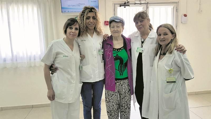 צוות מרפאה הציל קשישה ממוות