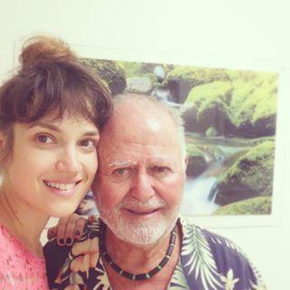 מרינה מקסימיליאן בתמונה שהעלתה לעמוד האינסטגרם שלה עם ניל סאקר